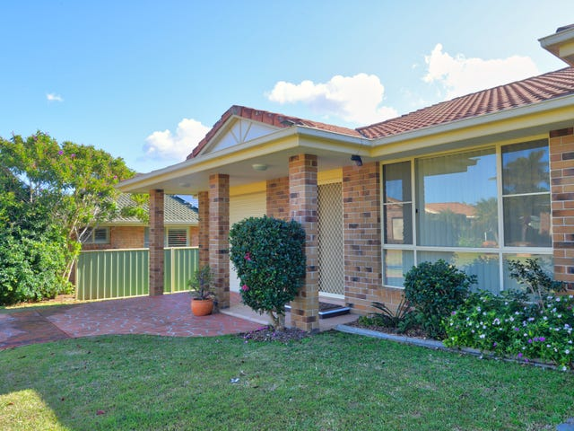 2/2 Wills Court, Forster, NSW 2428