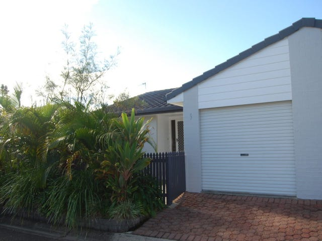 9/4 Itong Place, Currumbin Waters, Qld 4223