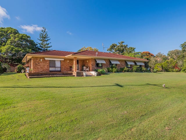 105 Golf Links Rd, Woodford Island, NSW 2463