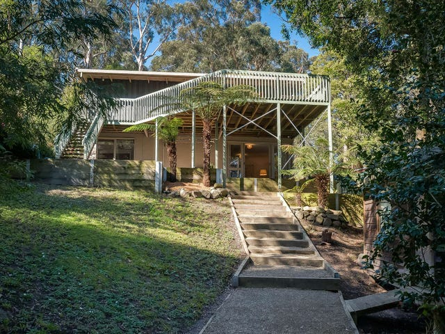 13 Gordon Avenue, Tecoma, Vic 3160