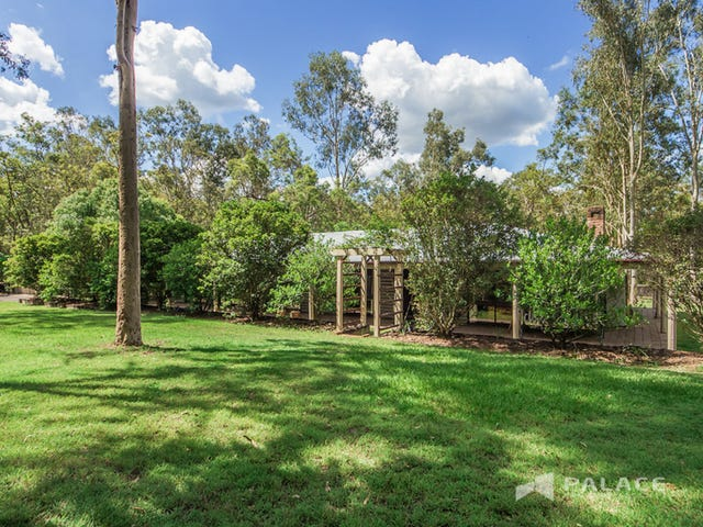 32 Phillip Crescent, Barellan Point, Qld 4306