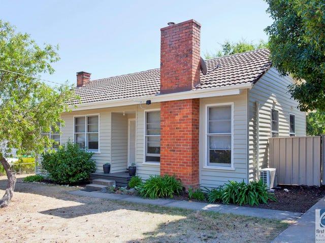 9 Le Couteur Avenue, Beechworth, Vic 3747