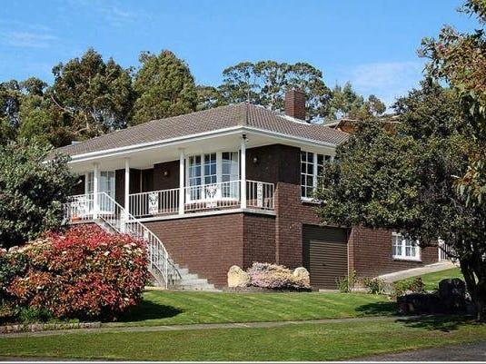 11 Amberley Crescent, Blackmans Bay, Tas 7052