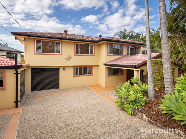 2 Walkers Road, Everton Hills, Qld 4053