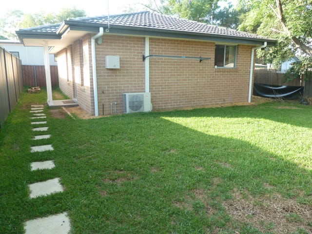 24a  Tahiti Place, Lethbridge Park, NSW 2770