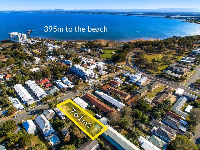 26 Caroline Street, Woody Point, Qld 4019