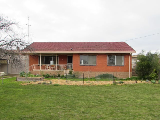 16 Richards Road, Castlemaine, Vic 3450