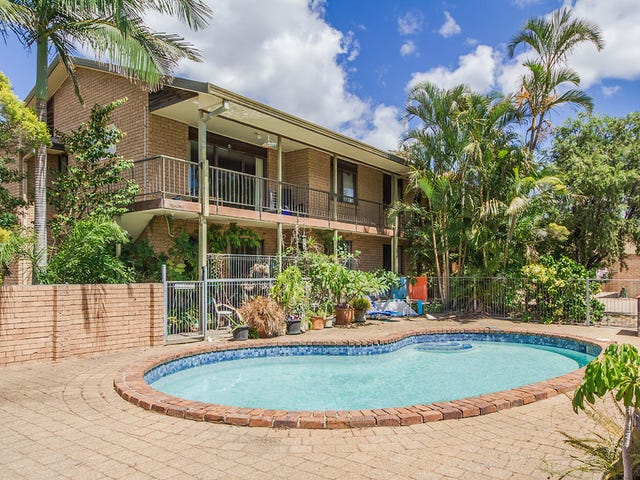 2/9 Christina Court, Mermaid Waters, Qld 4218