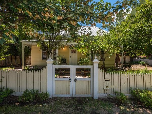 158 Main Street, Romsey, Vic 3434