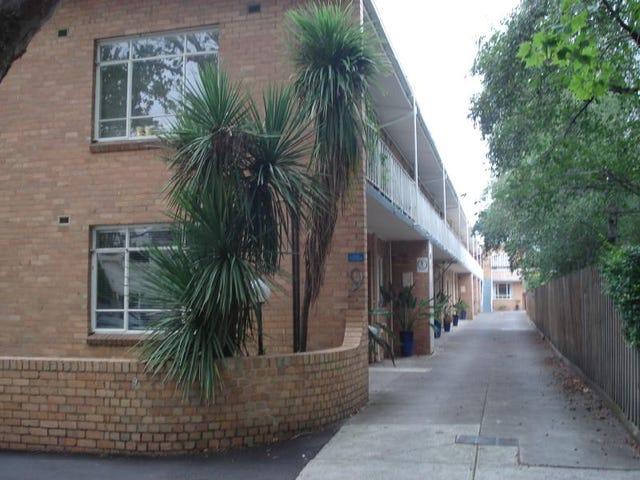 8/9 Dickens Street, Elwood, Vic 3184