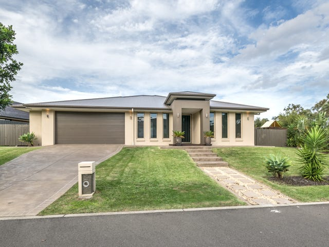 2 Ironbark Drive, Fern Bay, NSW 2295