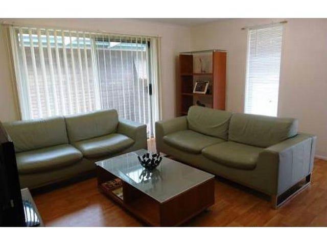 19 Bandaroo Street, Warana, Qld 4575