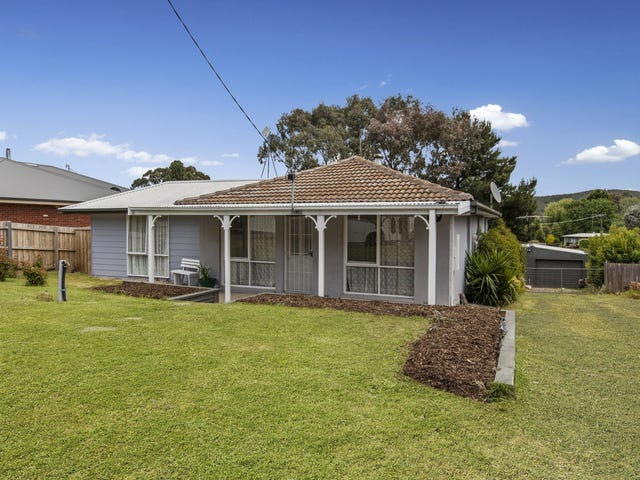 22 Andrew Avenue, Waterford Park, Vic 3658