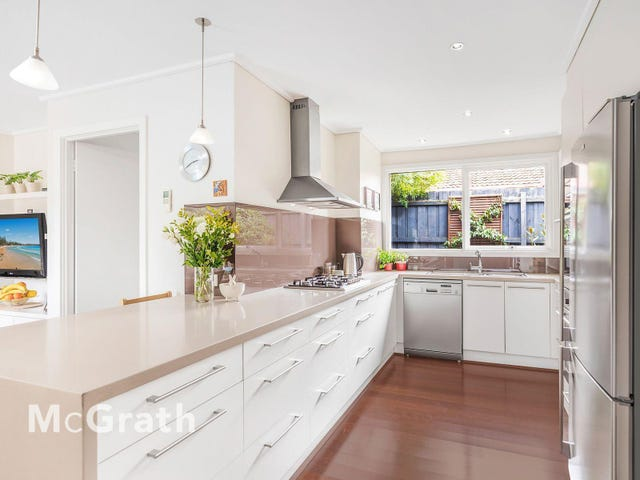 26 Cambrian Crescent, Wheelers Hill, Vic 3150