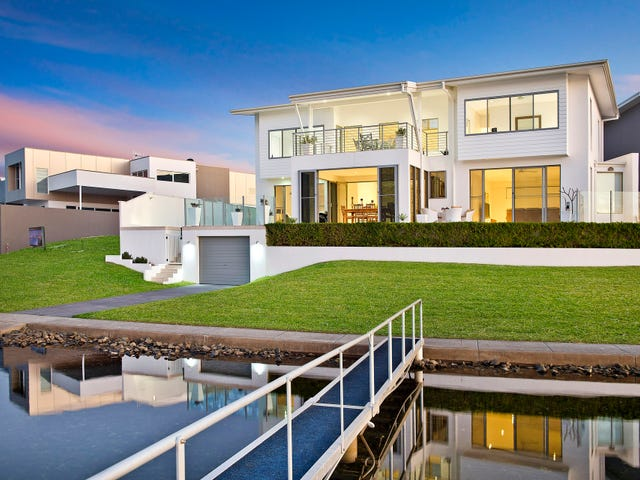 12 The Peninsula, Port Macquarie, NSW 2444