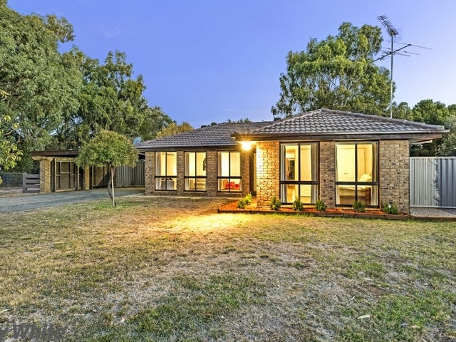 10 Digby Drive, Romsey, Vic 3434