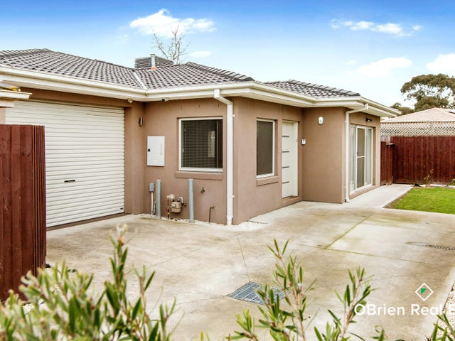 2a Cheshunt Court, Cranbourne North, Vic 3977