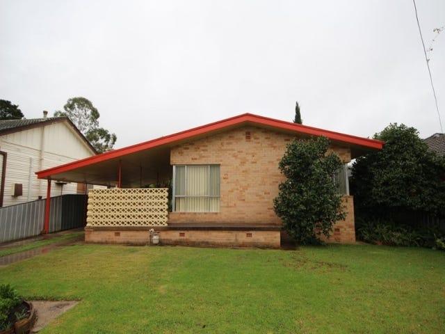 75 Tichborne Cres, Kooringal, NSW 2650