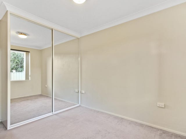 2/44 Gilmore Street, West Wollongong, NSW 2500