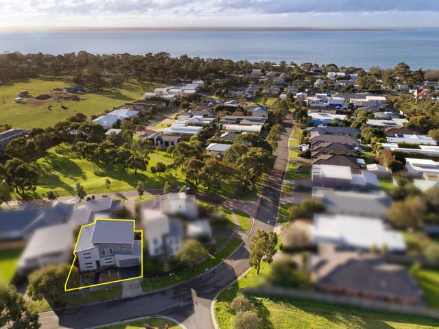 26 Norman Drive, Cowes, Vic 3922