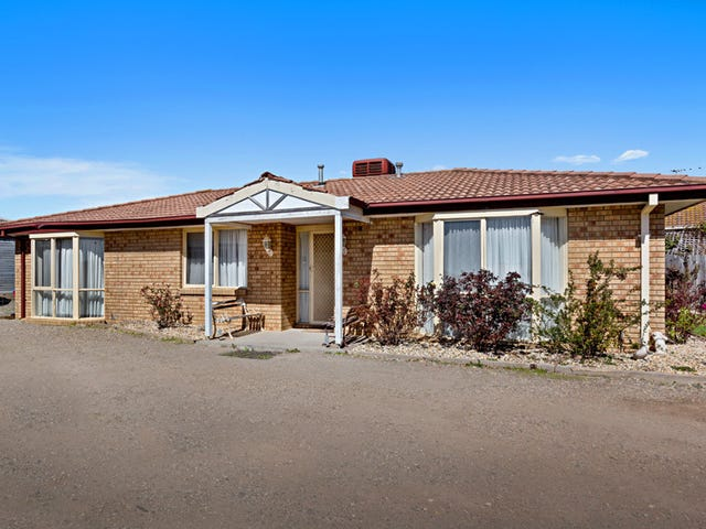 44 COTTAGE CRESCENT, Kilmore, Vic 3764