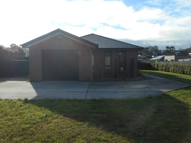 19 Bethune Place, Newnham, Tas 7248