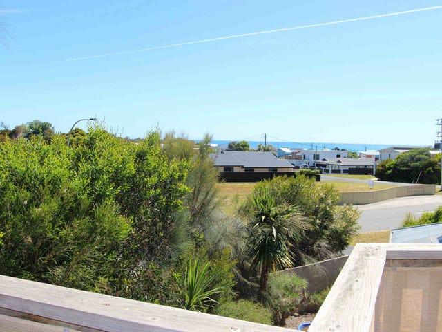 1/1  Merlot Court, Hawley Beach, Tas 7307