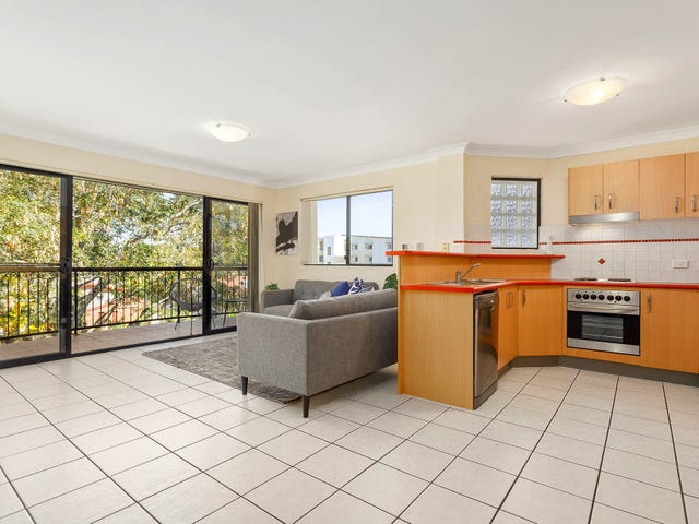 12/2-4 Henry Street, Redcliffe, Qld 4020