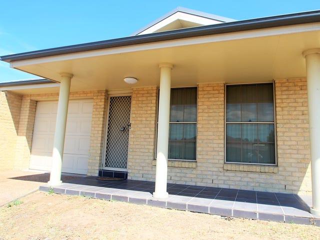 2/4 The Grove, Singleton, NSW 2330