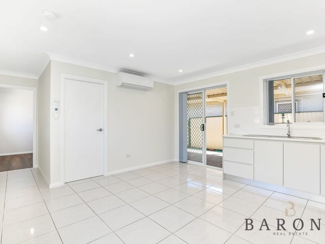 8A Hope Crescent, Bossley Park, NSW 2176