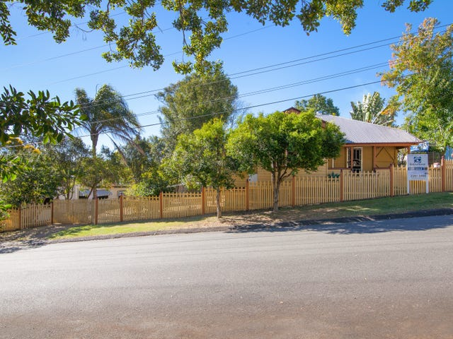 4 Ferguson Street, North Ipswich, Qld 4305