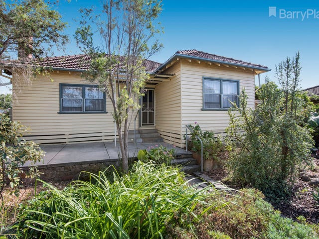 11 Buckley Street, Long Gully, Vic 3550