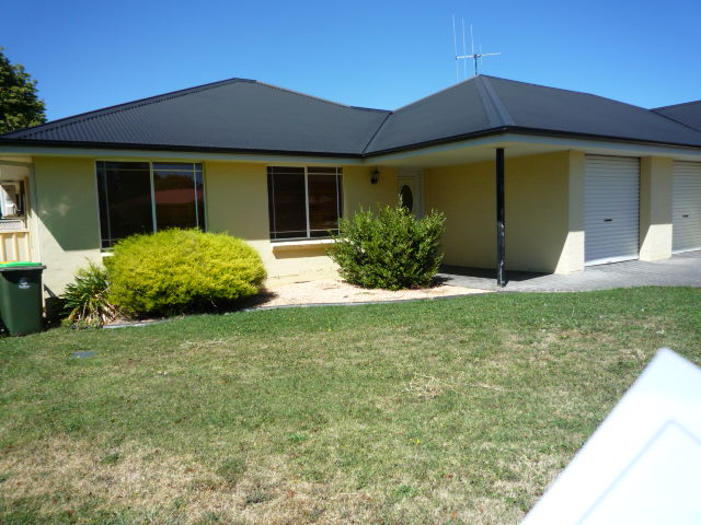 1A Covent Close, Orange, NSW 2800