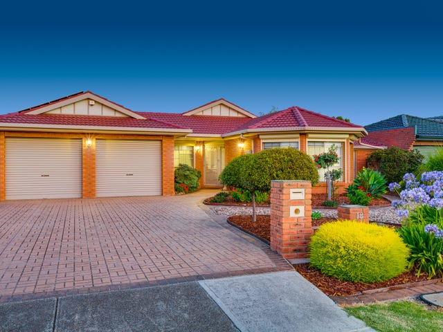 18 Reed Crescent, Taylors Lakes, Vic 3038