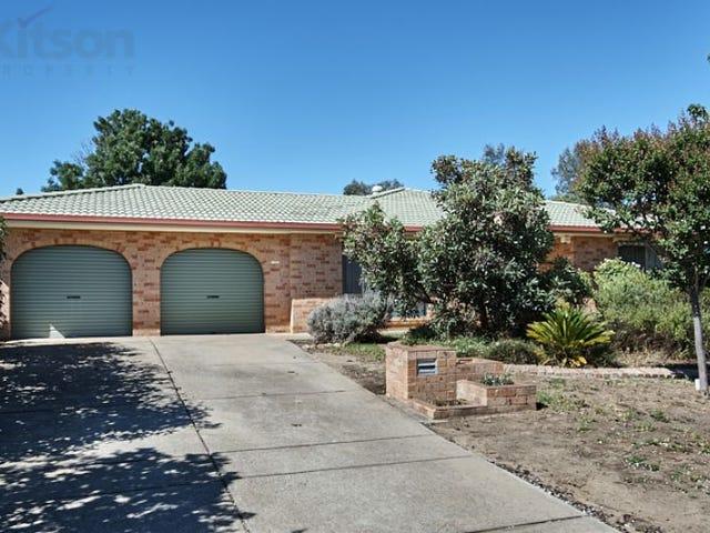 73 Balleroo Crescent, Glenfield Park, NSW 2650