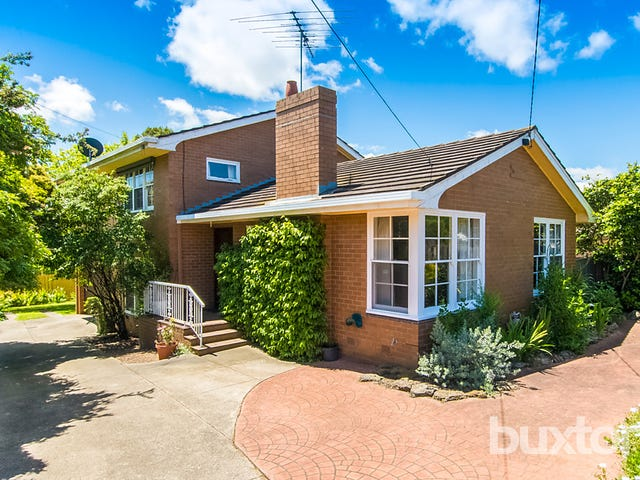 18 Portsmouth Crescent, Grovedale, Vic 3216