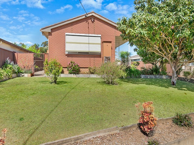 4  Andrews Avenue, Toongabbie, NSW 2146