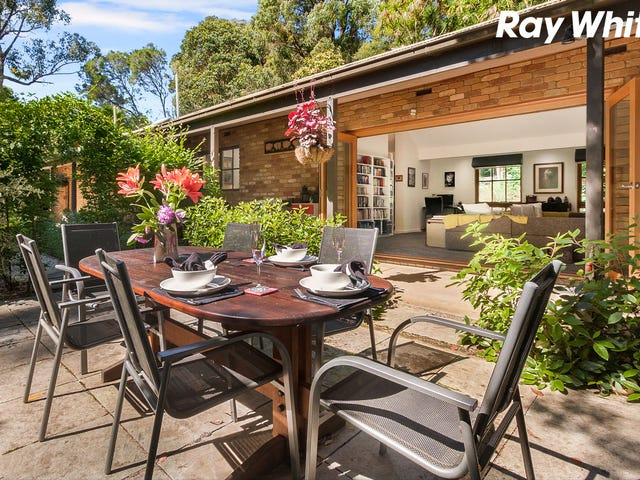31 First Avenue, Cockatoo, Vic 3781
