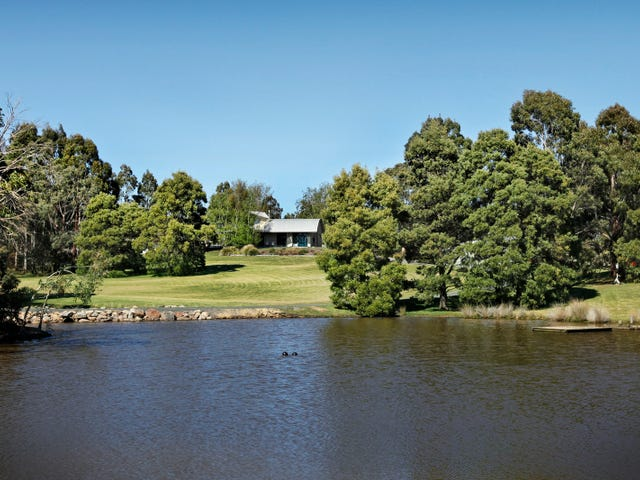 213 Mahoneys Road, Woodend, Vic 3442
