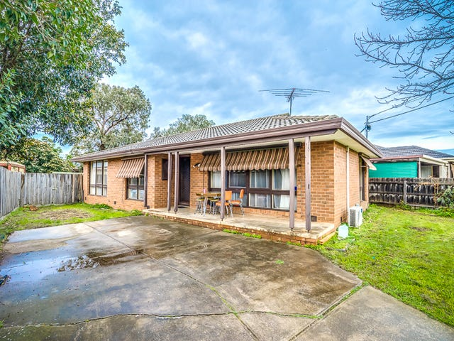 10 Wentworth Road, Melton South, Vic 3338