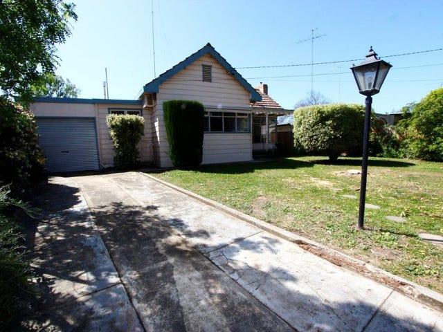 31 Gairloch Grove, Newtown, Vic 3220