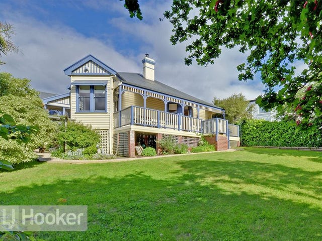 22 Boa Vista Road, New Town, Tas 7008