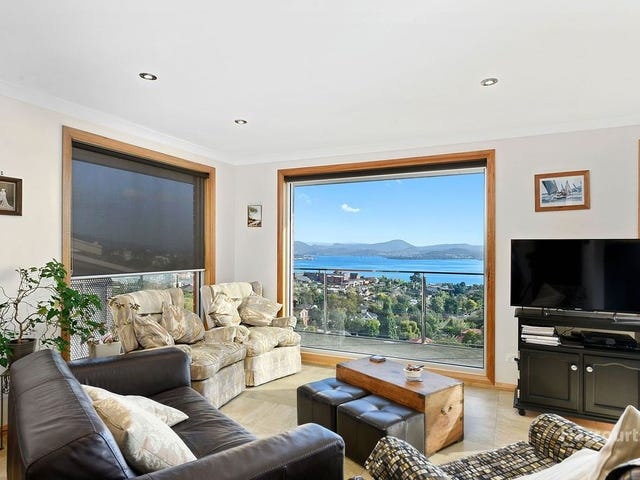 477 Churchill Avenue, Sandy Bay, Tas 7005