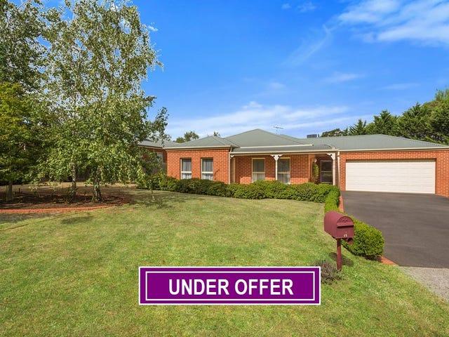 15 Pinelea Grove, Gisborne, Vic 3437