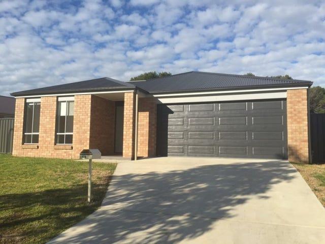 69 Royce Crescent, Lavington, NSW 2641
