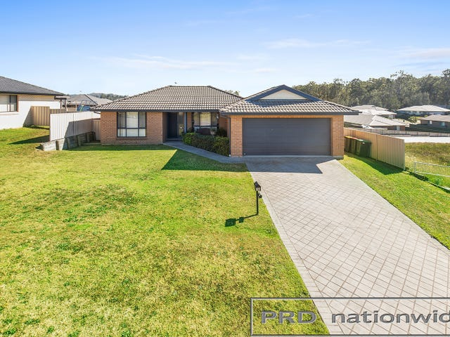 18 Diamond Circuit, Rutherford, NSW 2320