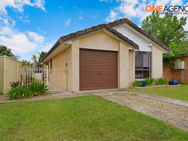 28A Sebastian Avenue, Rosemeadow, NSW 2560