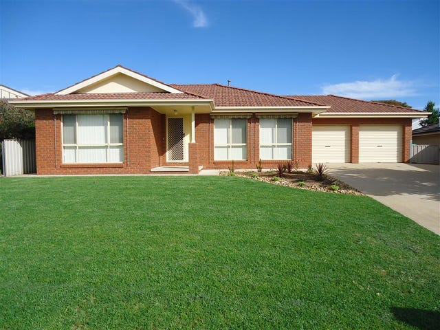 24 Yarrawah Crescent, Bourkelands, NSW 2650