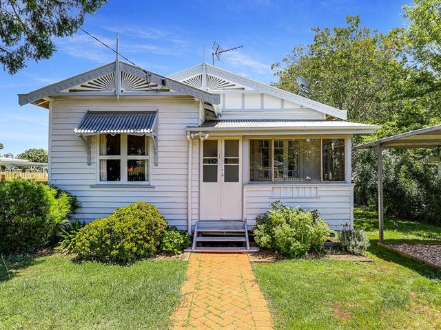 1 Llewellyn Street, Centenary Heights, Qld 4350