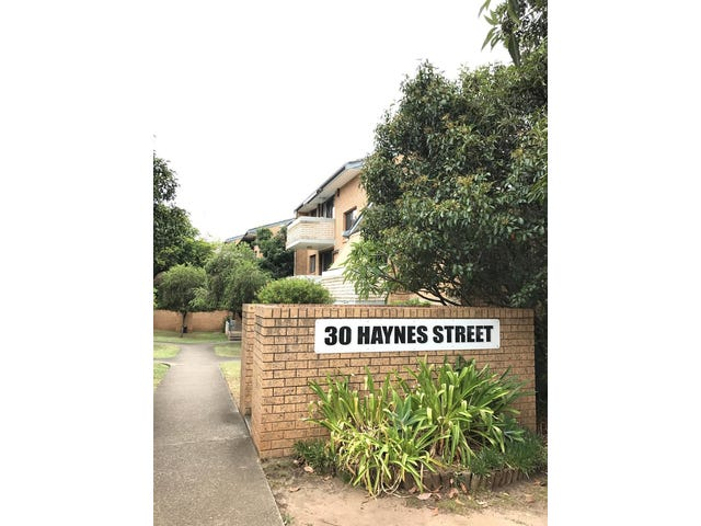 8/30 HAYNES Street, Penrith, NSW 2750